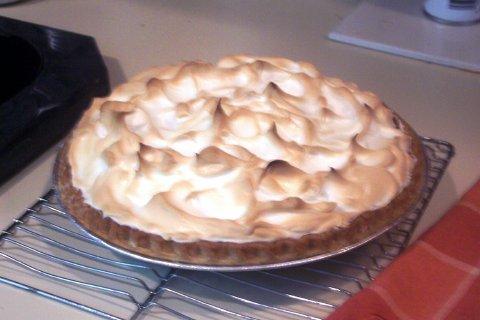 Lemon_Meringue_Pie_1